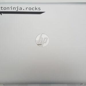 Der cryptoninja Sticker plaziert auf einem Notebook als Beispielbild